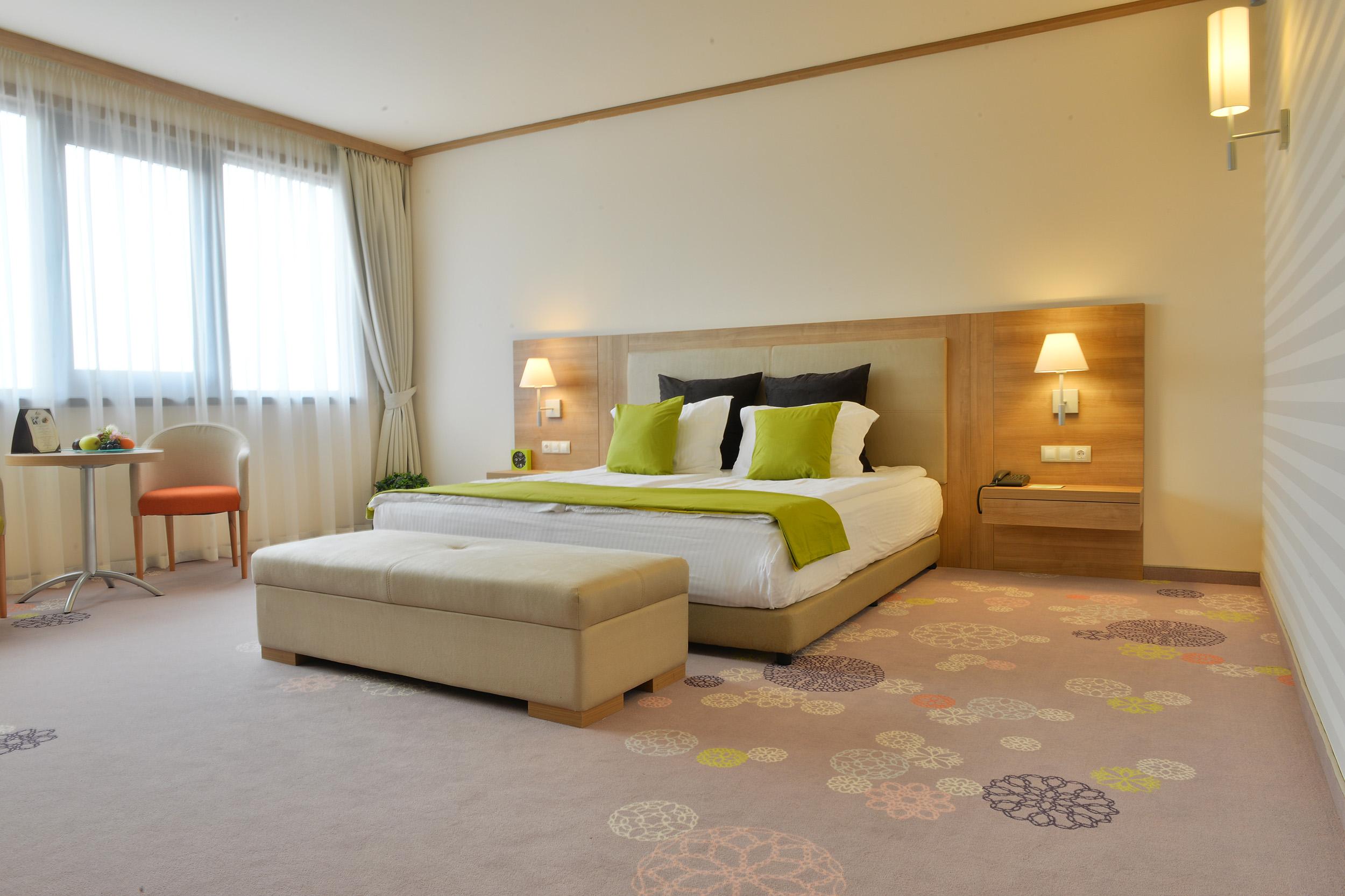 Suite Hotel Sofia, 4*